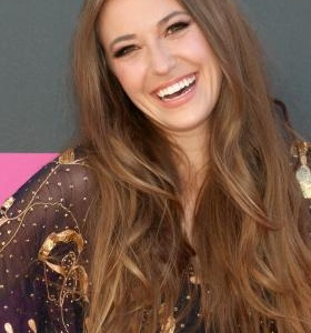 Lauren Daigle lyrics